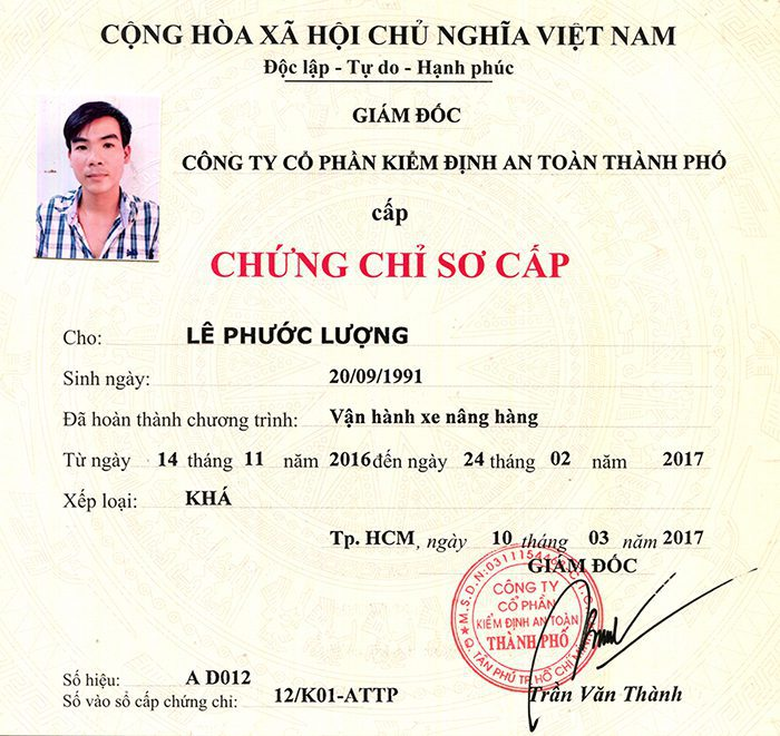 Chung Chi Lai Xe Nang 2