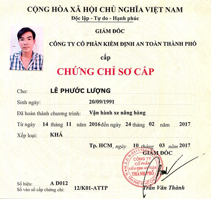Chung Chi Lai Xe Nang