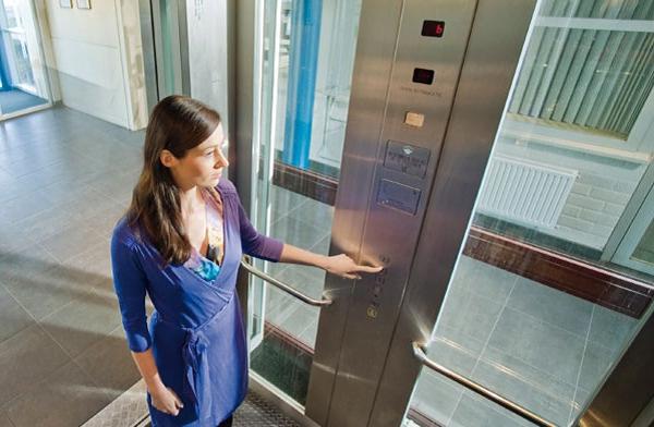 Hãy chú trọng đến vấn đề huấn luyện an toàn thang máy